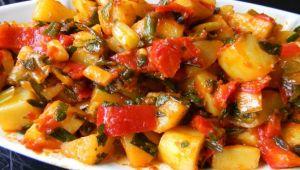 Sıcak Patates Salatası Nasıl Yapılır? Kaynak: Sıcak Patates Salatası Tarifi İçin gerekli olan Malzemeler nelerdir? Sıcak Patates Salatası Nasıl Yapılır?